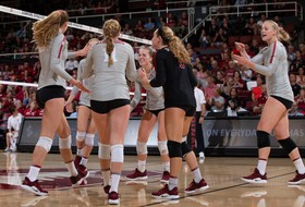 Highlights: Top-ranked Stanford women's volleyball defeats No. 4 Penn State on the road