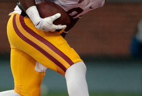 USC football: JuJu Smith makes a tip-toe catch on his birthday