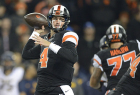 Oregon State's Sean Mannion becomes Pac-12 all-time passing leader