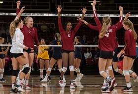 NCAA Women's Volleyball Elite Eight: Stanford sweeps Texas for Final Four berth; USC drops five-set thriller to Florida