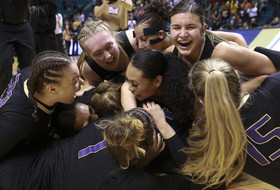 2019 Pac-12 Women's Basketball Tournament: No. 11 seed Washington upsets No. 3 Oregon State after wild finish