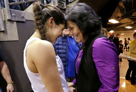 Kelsey Plum drops 57 points on senior day to become NCAA all-time leading scorer