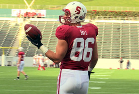 Ertz makes one-handed catch look easy