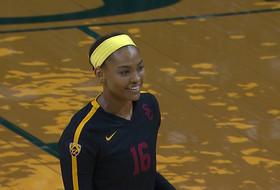 Recap: Khalia Lanier's 15 kills power USC women's volleyball to sweep over Oregon
