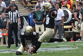 Roundup: 30-year-old kicker having great freshman season at Colorado