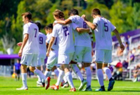 No. 1 Washington can clinch men's soccer league title ahead of matchup with No. 5 Stanford