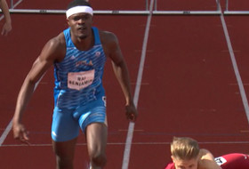 2017 Pac-12 Track & Field Championships: UCLA's Rai Benjamin kicks, out leans at the line to win 400mH title