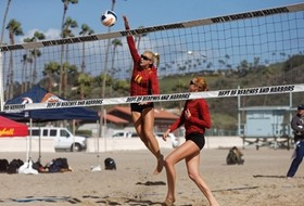 USC's Kelly Claes and Sara Hughes