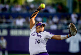 Women's College World Series:  Kirstyn Thomas home run sends Washington past Oregon