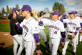 Roundup: 'Mammoth' baseball series between OSU and UW