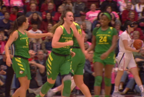 Highlights: No. 3 Oregon women's basketball picks up first win at Stanford since 1987