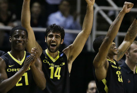 Oregon downs fourth-seeded Saint Louis to advance to Sweet 16