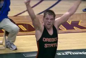 Weishoff stuns Bacon in double OT