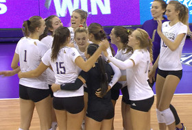 Recap: No. 10 Washington women's volleyball holds on to defeat Arizona in four sets