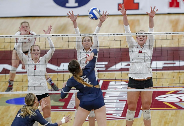 Roundup: Stanford women's volleyball to face Nebraska for national title
