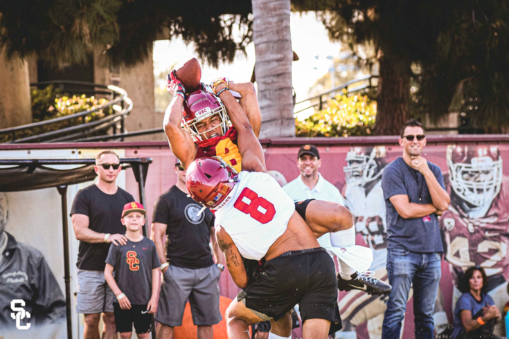 USC football training camp 2019: Photos, social moments and other behind-the-scenes access from Los Angeles