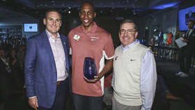 Carlos Daniel Inducted into Pac-12 Hall of Honor
