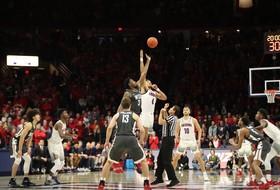 Franks Scores 31, Washington State Beats Arizona 69-55