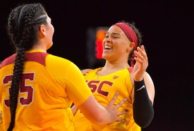 Pili Hits 32 As USC Women Beat WSU 66-60 In Pullman
