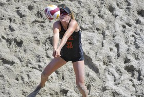 No. 6 USC Splits Duals with Southern California Rivals