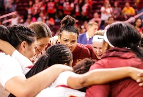 USC Women Pack Up For SoCal Road Trips