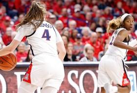 No. 2 Oregon Hangs on to Defeat No. 18 Arizona