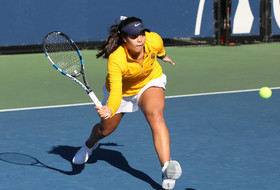 Bears Sweep Singles To Open Winter Invite