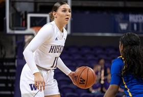 Huskies Host Weber State in Kids Day Game