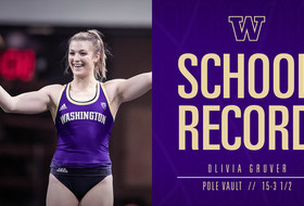 Records For Gruver, Nkwonta As Dawgs Open Strong