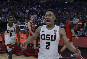 Lucas Hits Game-Winning 3-Pointer To Open Pac-12 Tourney
