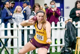 Noennig Takes NCAA Lead in Shot Put