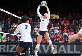 Patterson Records Career Assist 2,000 in Loss to Oregon