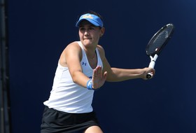 Women's Tennis Edges Cal in Pac-12 Opener