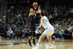 Washington Battles Hard But Can't Pull Off Upset at No. 5 Oregon
