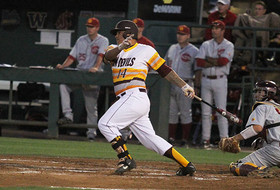 No. 25 Baseball Walks-Off With 10-9 Series-Clinching Win Over USC