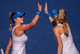 No. 6 Women's Tennis Completes Road Sweep