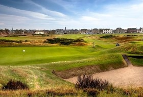 Huskies Travel To Scotland, The Birthplace Of Golf