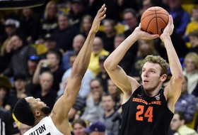 Beavers Rally For 76-68 Win In Boulder