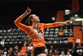 Volleyball Moves to 10-2 with Sweep of Broncos