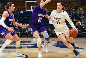 Bears Fall To Huskies In Final Moments