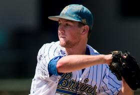 Early Runs Lead No. 22 UCLA Baseball to 4-2 Win Over Washington State