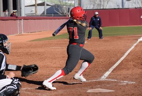 Cats Blast Seven Homers, Improve to 4-0