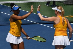 No. 8 Bruins Drop 4-3 Decision to No. 9 Waves