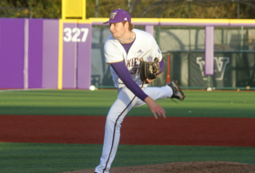 Huskies Win 8-1 Behind Emanuels' Dominant Pitching Performance