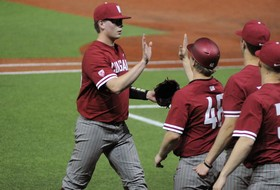 Montez Homers Twice to Back Mills in Win at Hawai'i