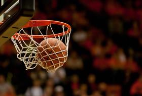 Isaiah Manderson Signs NLI With Men's Hoops