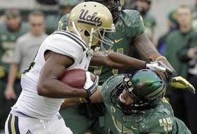 No. 2 Oregon Uses Second Half Surge to Defeat No. 12 UCLA, 42-14