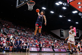 Nnaji and Green Combine for 36 Points in Win At Stanford