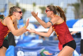 USC Beach Runs Through Waves For 3-0 Win