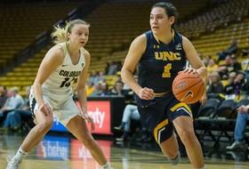Leger-Walker Transfers Into Women's Basketball